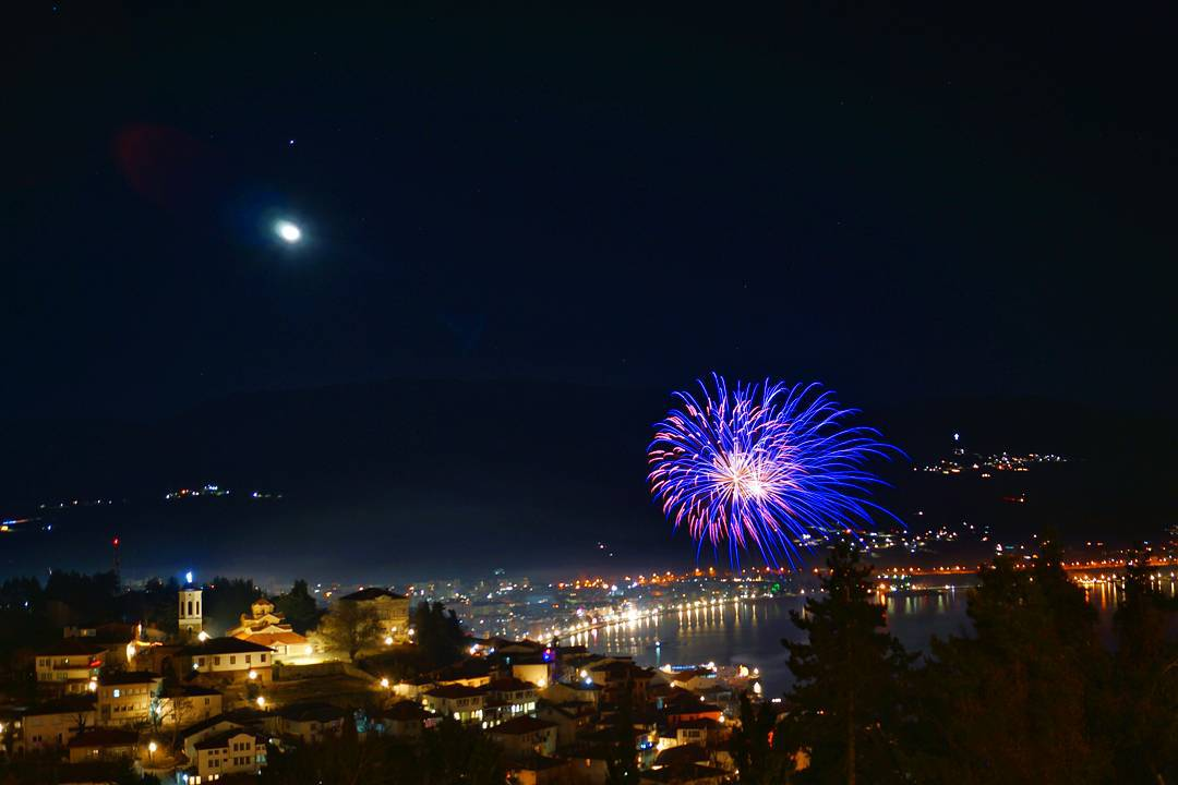 СРЕЌНА НОВА ГОДИНА! #ohrid #photographyel #fireworks #happynewyear