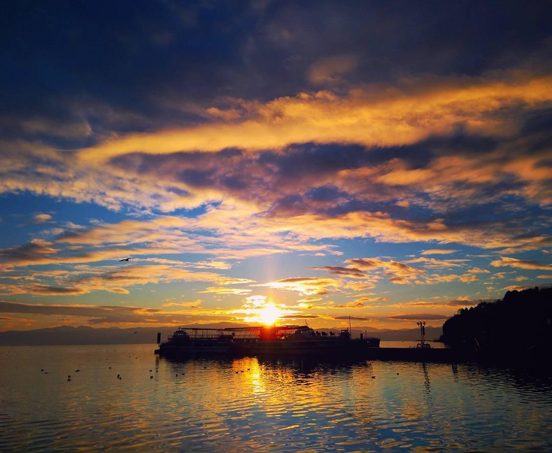 И денес уште денешното зајдисонце, ко со водени бои. #sunset #aquarelle